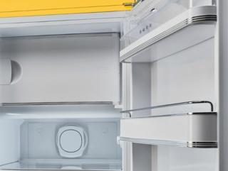 Регулируемые полки из закаленного стекла в холодильниках SMEG