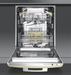 Быстрая мойка посуды в посудомоечных машинах SMEG