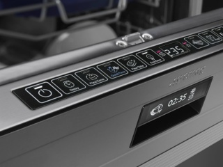 Отсрочка включения с автоматическим споласкиванием в посудомойках Смег